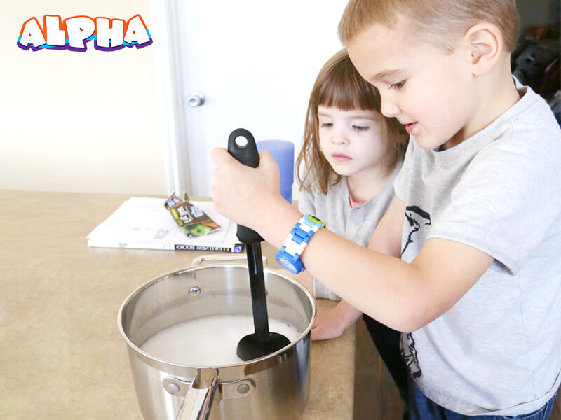 Alpha science classroom:DIY hot ice-science experiments for kids